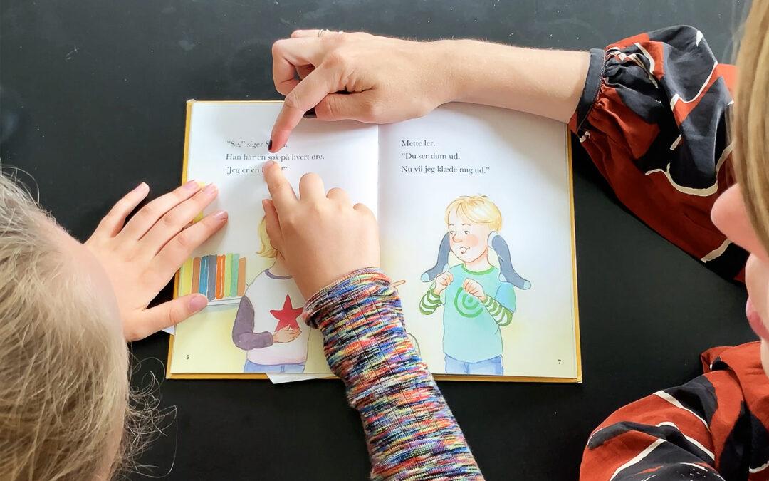 Hvem skal undervise dit barn?